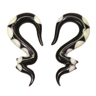 Seepferdchen Horn Ohrringe mit weißen Flecken (Paar)